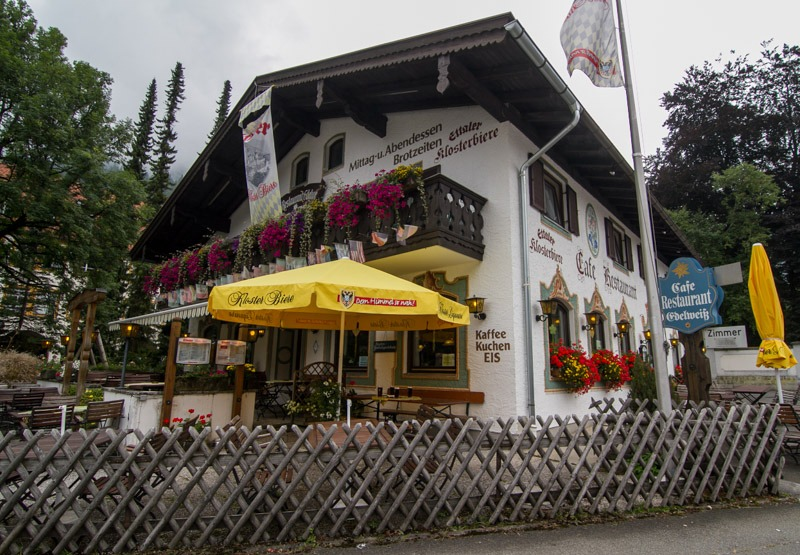 kuhnja-bavarii-restoran-u-monastyrja-jettal'