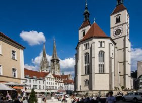 cerkvi-regensburga-neupfarrkirche