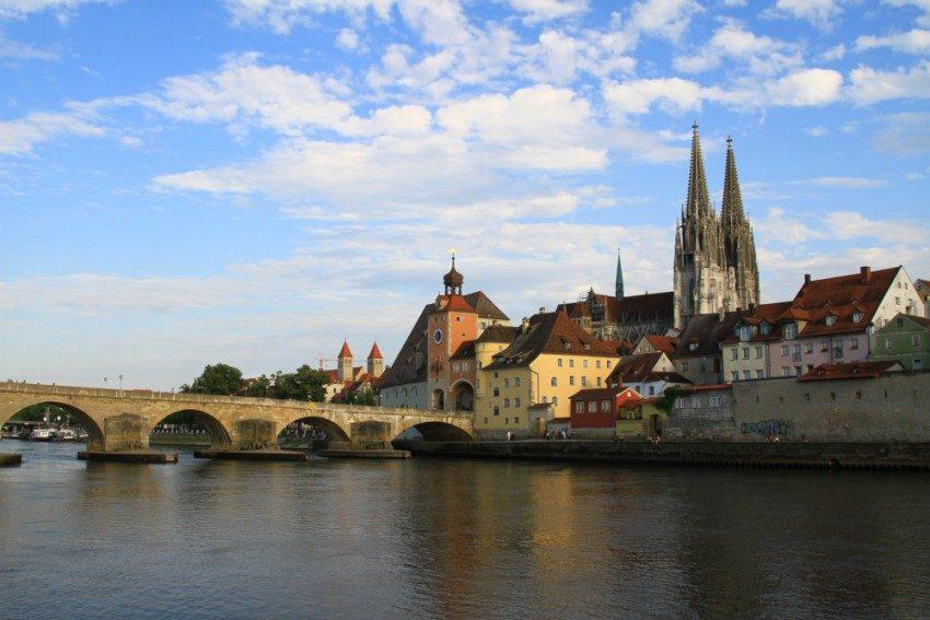 Регенсбург фото города Каменный мост и собор