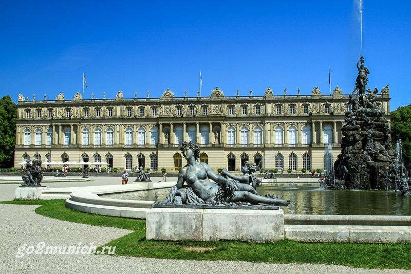 dvorec-herrenkimzee-v-bavarii