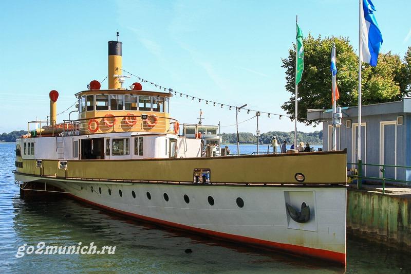 Херренкимзее кораблик на остров