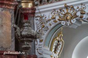 v-cerkvi-viskirhe