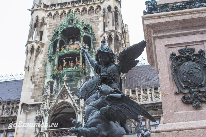 Часы на Новой Ратуше в Мюнхене