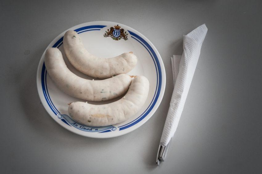 Белые мюнхенские сосиски вайсвурст