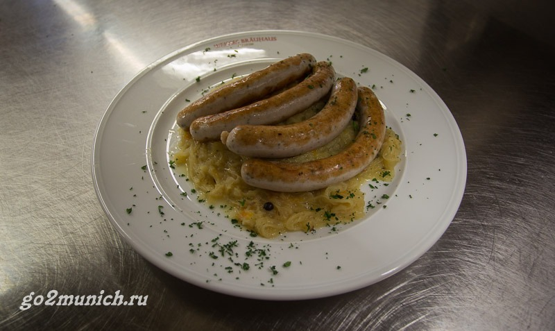 Баварские сосиски с капустой