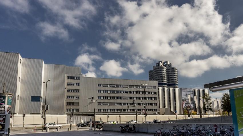 Штаб-квартира БМВ и завод БМВ в Мюнхене
