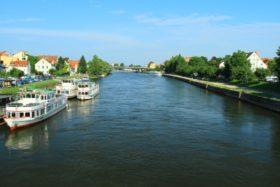 reka-dunaj-v-regensburge