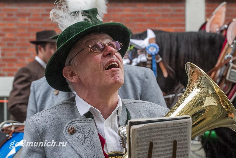 Проведение Октоберфест фестиваля пива в Мюнхене