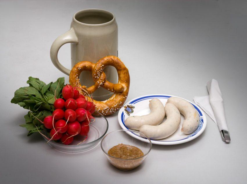 Октоберфест белые колбаски