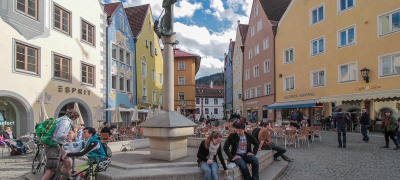 : Город Фюссен в Германии под Мюнхеном и его достопримечательности